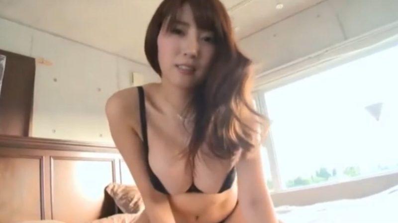 森咲智美 セックスを妄想させるようなエロい腰使いをするグラドル
